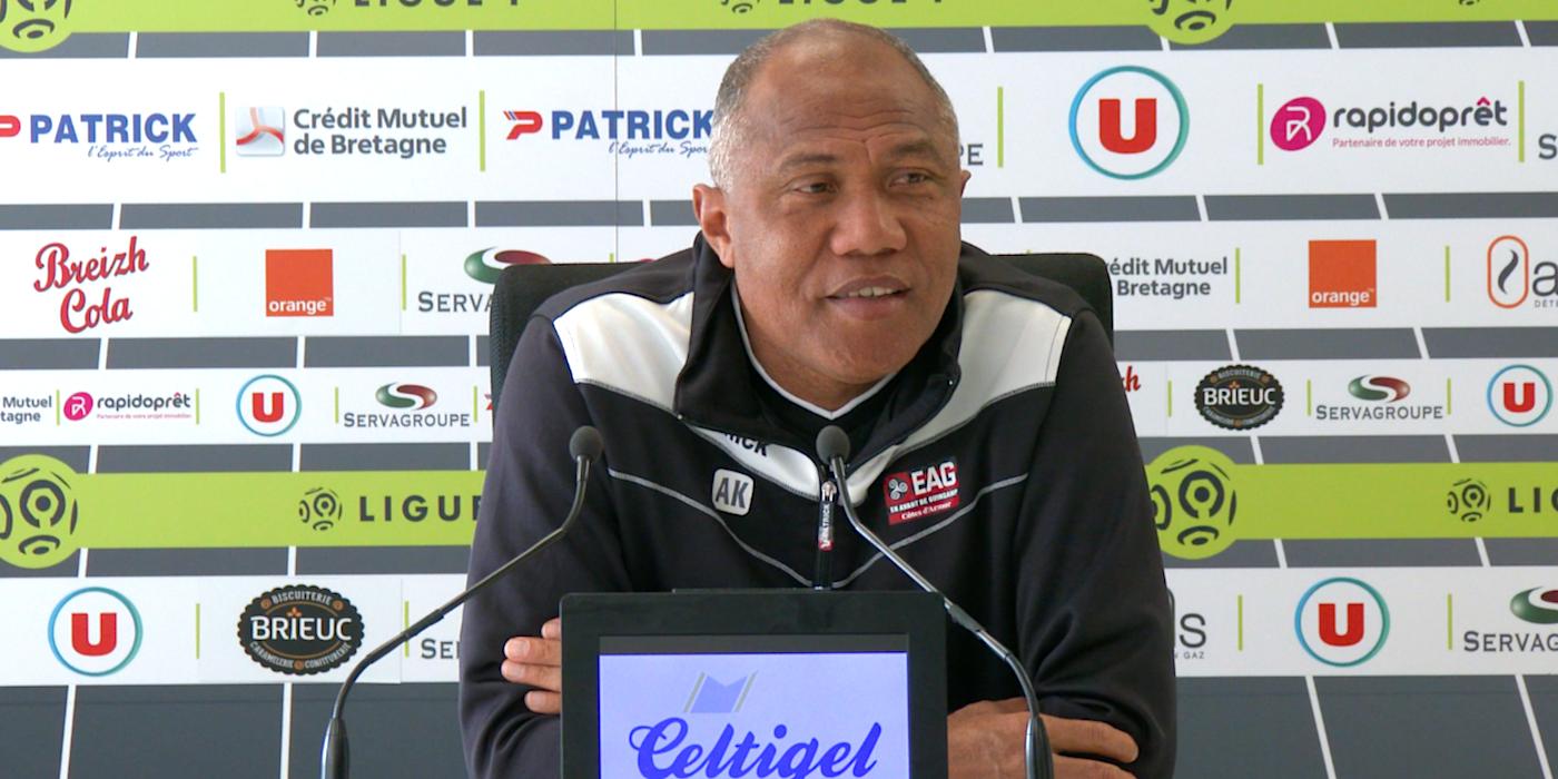 Le point presse d'Antoine Kombouaré avant Lille - En Avant de Guingamp