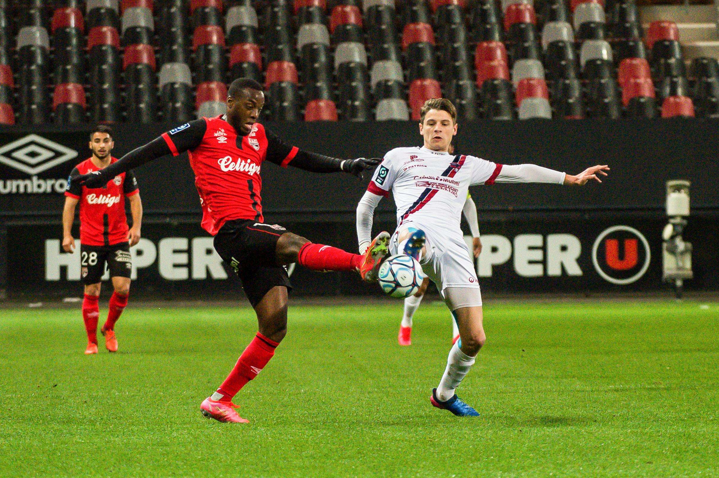EA Guingamp Clermont Foot 63 0 5 J28 Ligue 2 BKT EAGCF63 _PAS8956-2