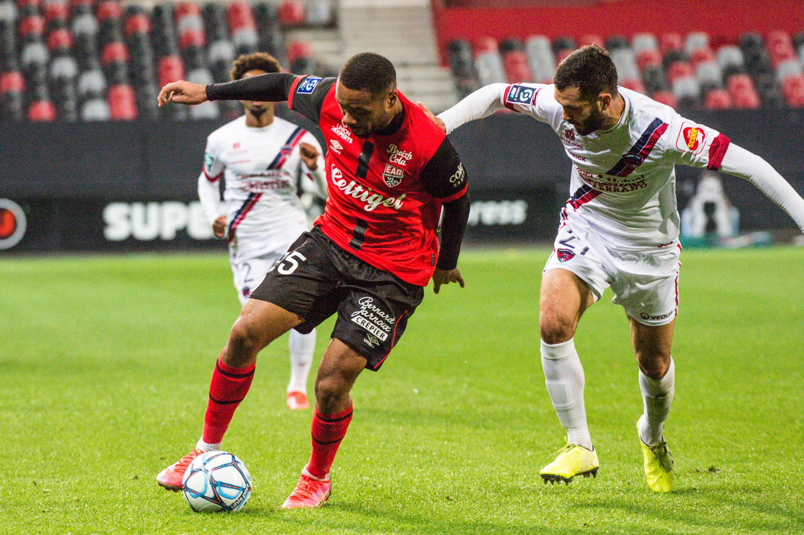 EA Guingamp Clermont Foot 63 0 5 J28 Ligue 2 BKT EAGCF63 _PAS9037