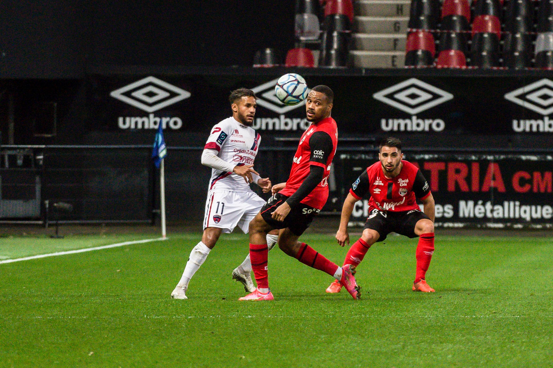 EA Guingamp Clermont Foot 63 0 5 J28 Ligue 2 BKT EAGCF63 _PAS9046