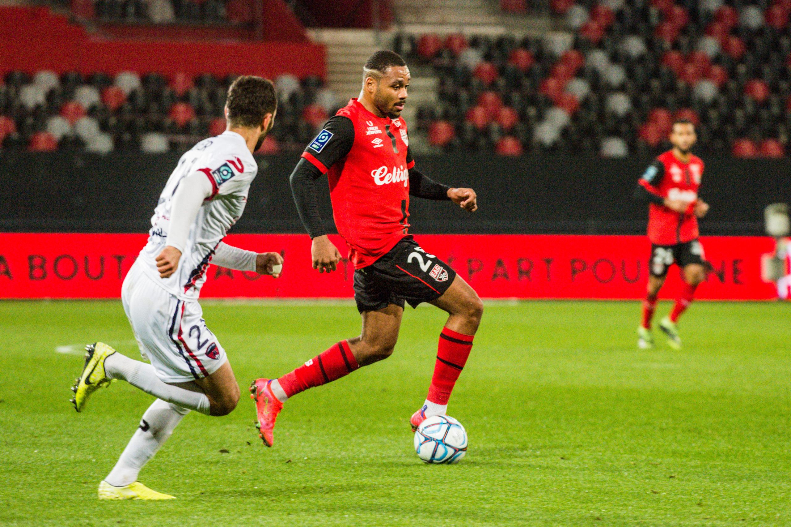 EA Guingamp Clermont Foot 63 0 5 J28 Ligue 2 BKT EAGCF63 _PAS9064