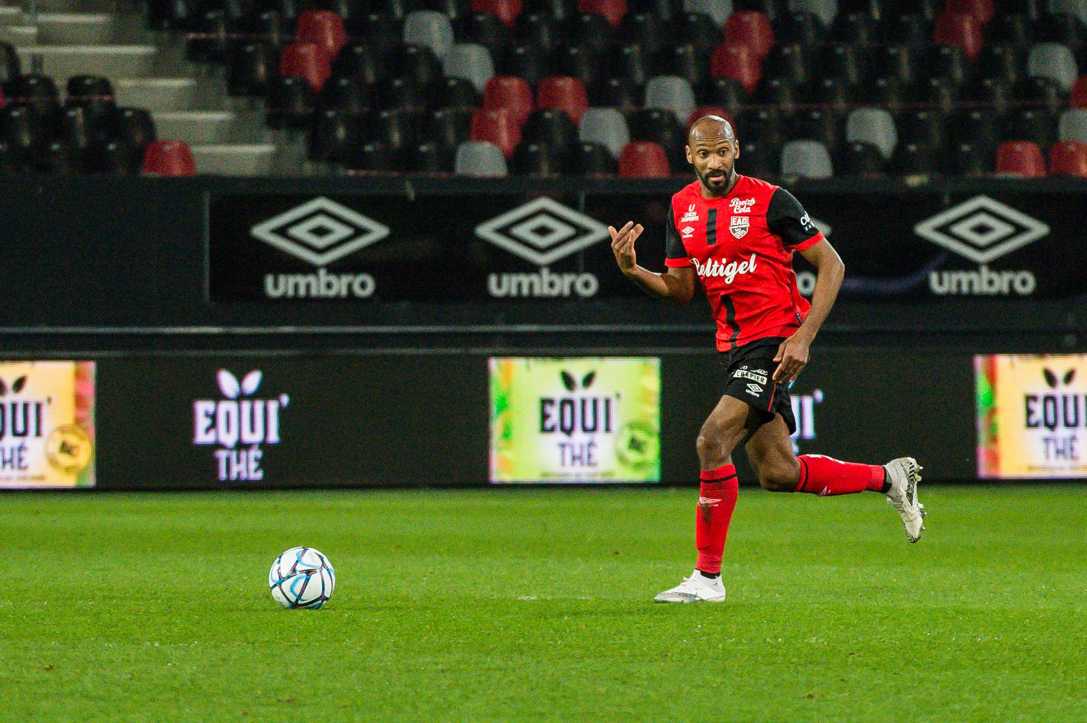 EA Guingamp Clermont Foot 63 0 5 J28 Ligue 2 BKT EAGCF63 _PAS9100