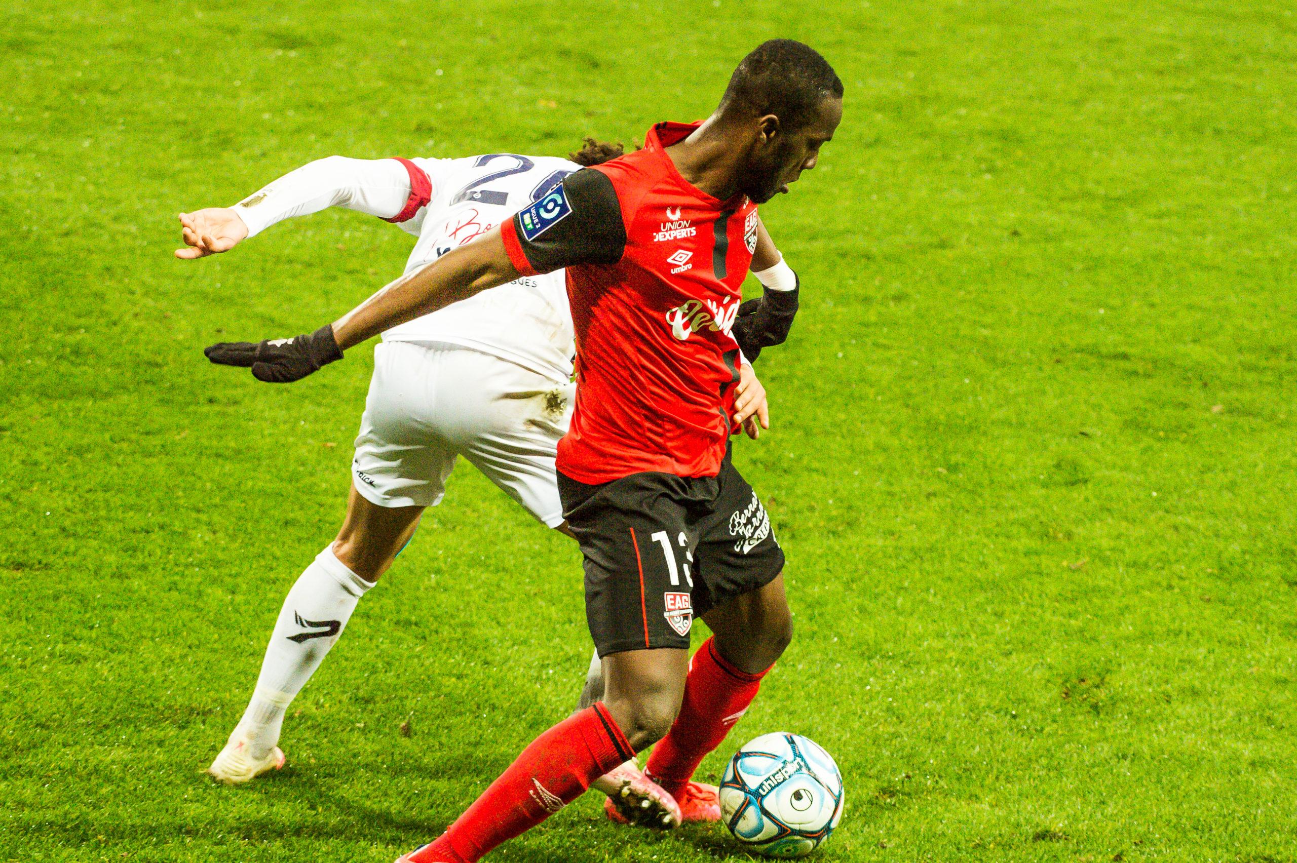 EA Guingamp Clermont Foot 63 0 5 J28 Ligue 2 BKT EAGCF63 _PAS9300