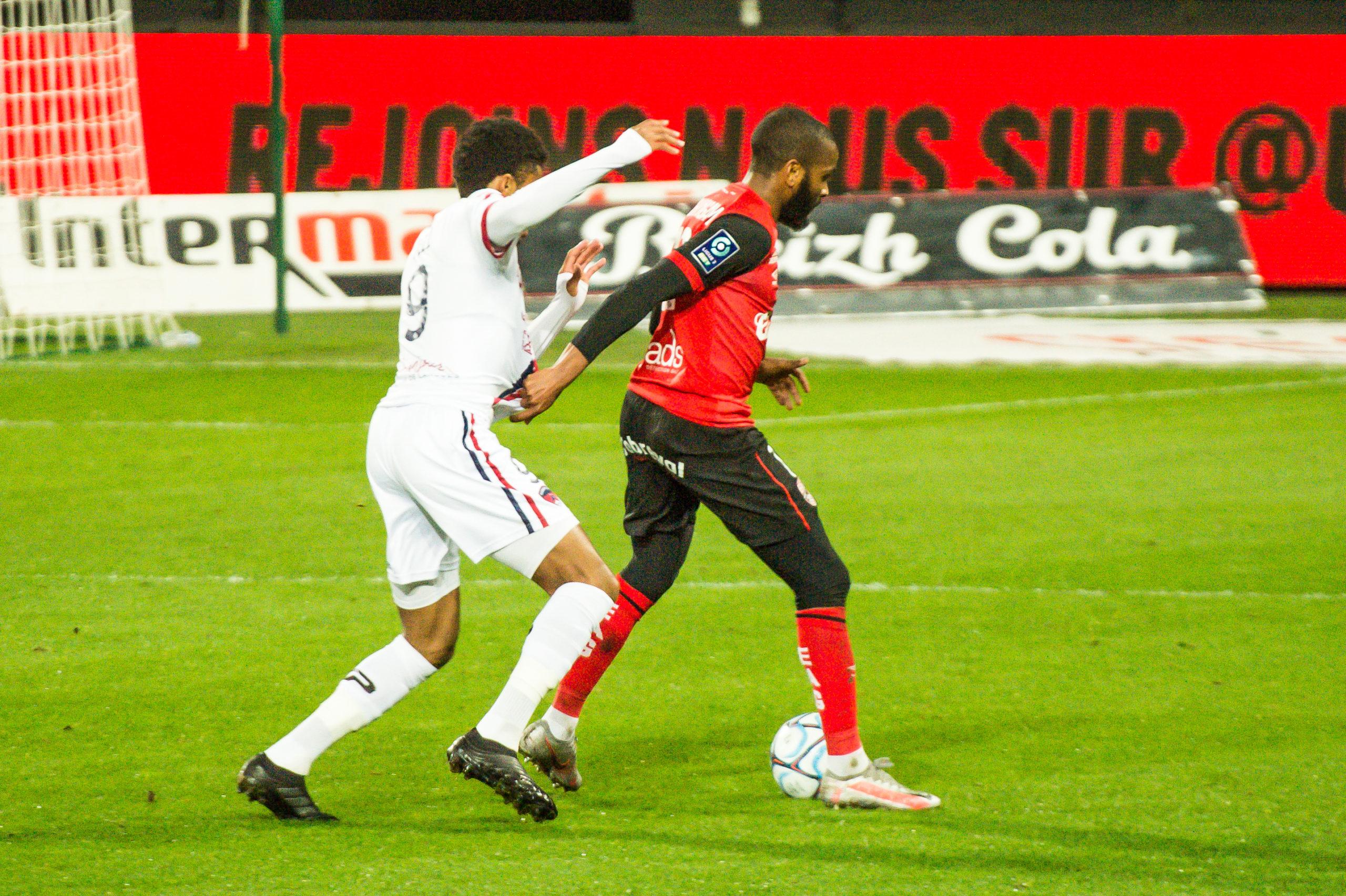 EA Guingamp Clermont Foot 63 0 5 J28 Ligue 2 BKT EAGCF63 _PAS9325