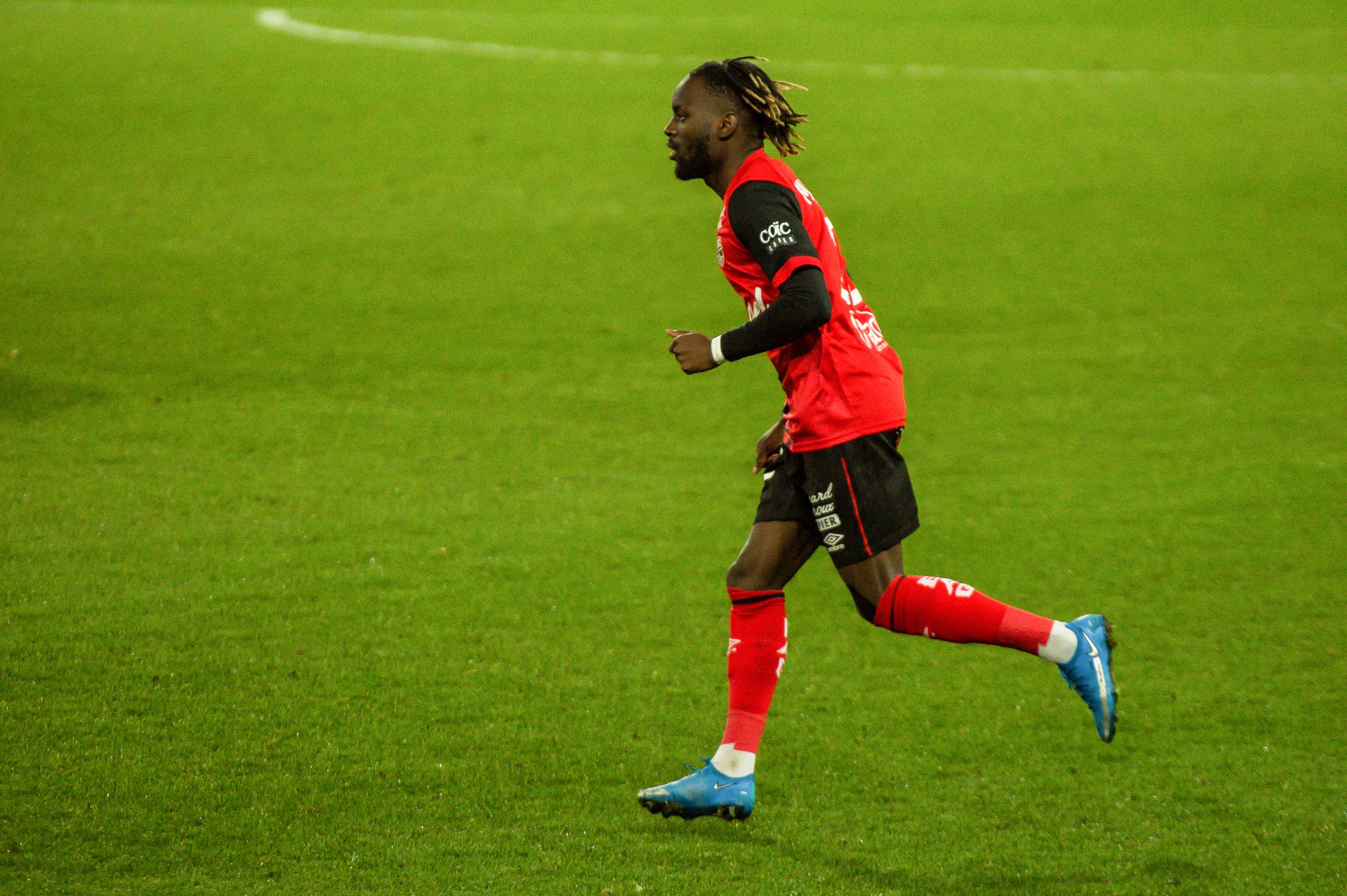 EA Guingamp Clermont Foot 63 0 5 J28 Ligue 2 BKT EAGCF63 _PAS9344