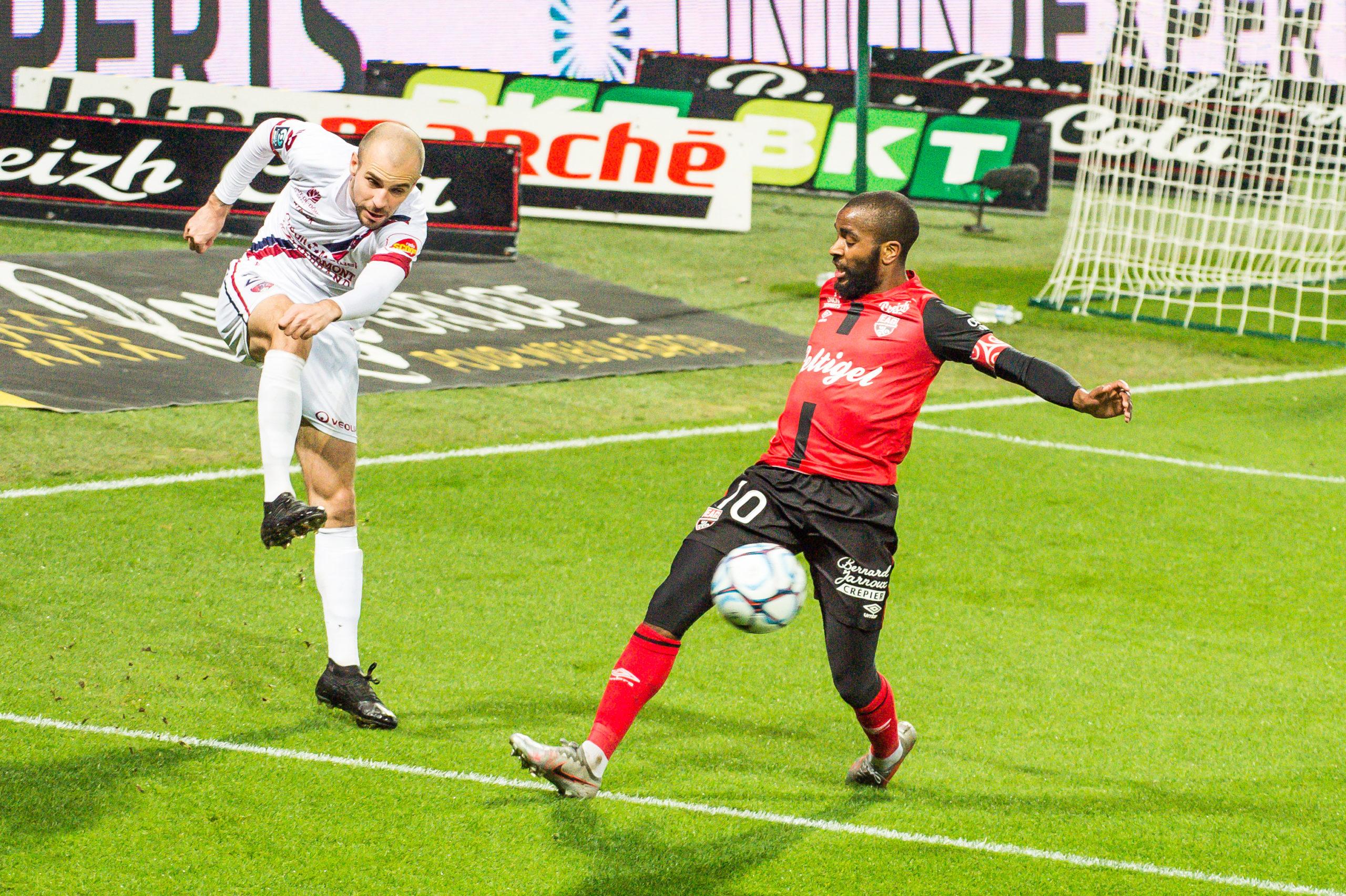 EA Guingamp Clermont Foot 63 0 5 J28 Ligue 2 BKT EAGCF63 _PAS9380
