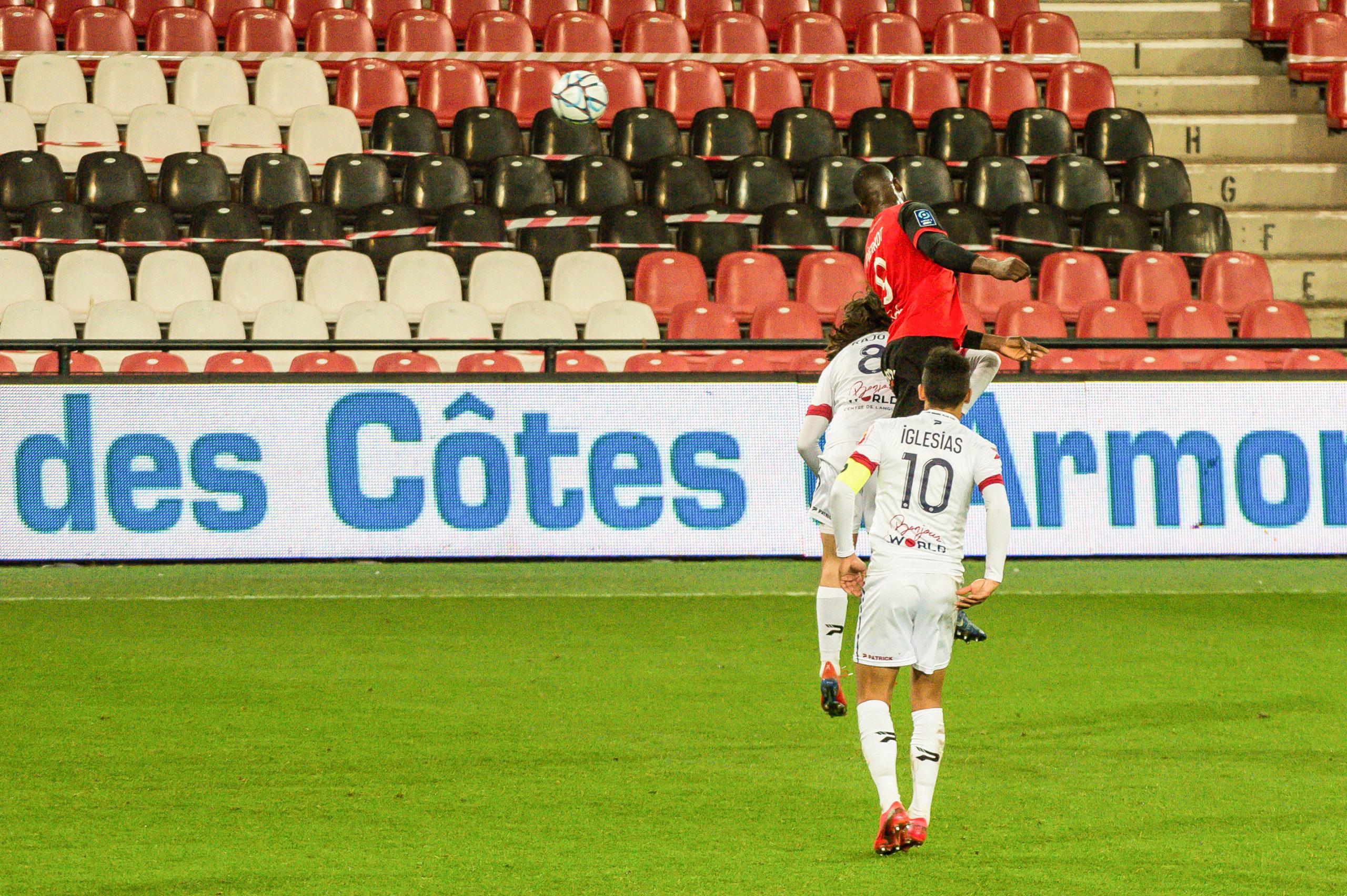 EA Guingamp Clermont Foot 63 0 5 J28 Ligue 2 BKT EAGCF63 _PAS9453-2