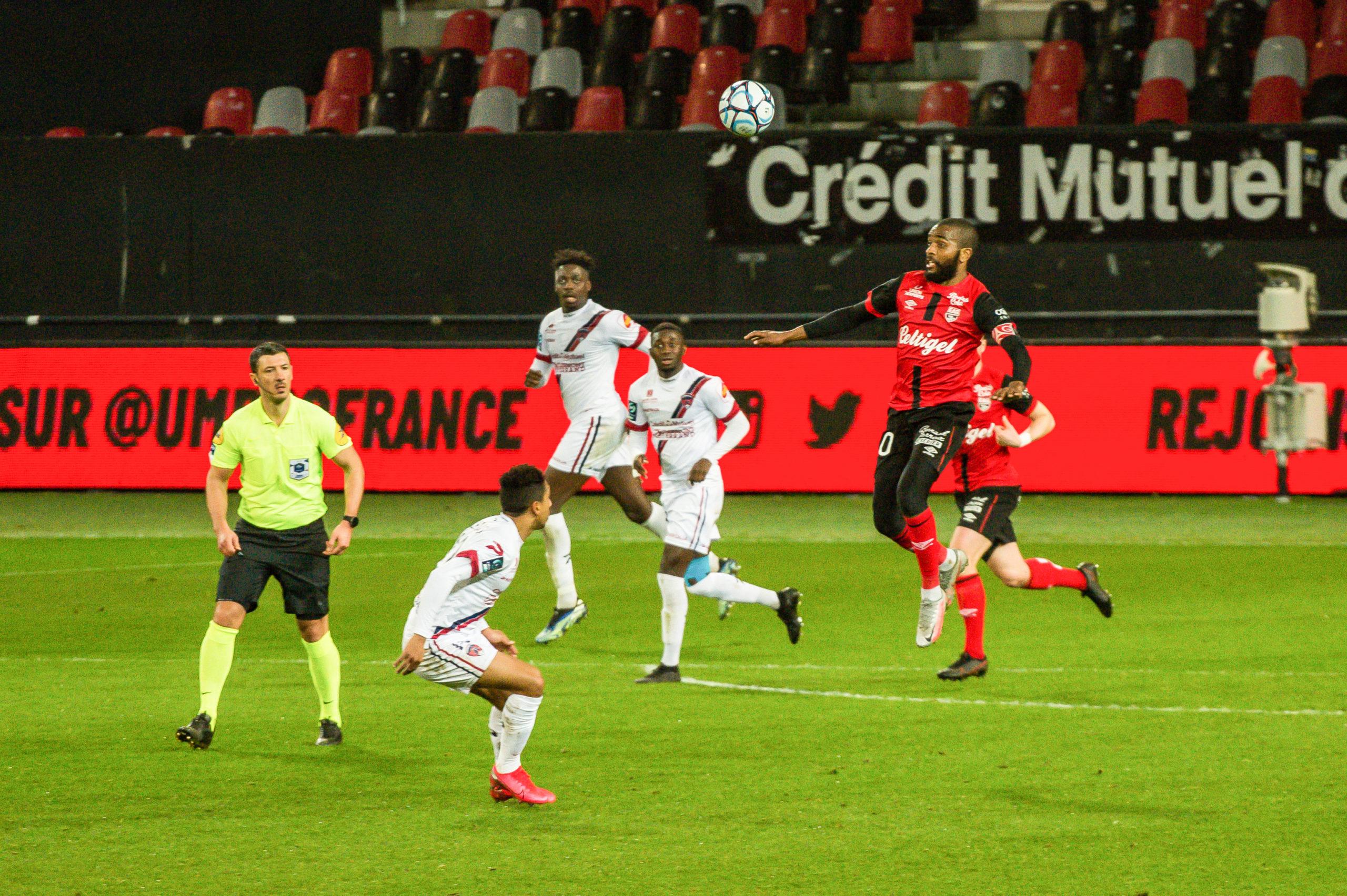 EA Guingamp Clermont Foot 63 0 5 J28 Ligue 2 BKT EAGCF63 _PAS9467