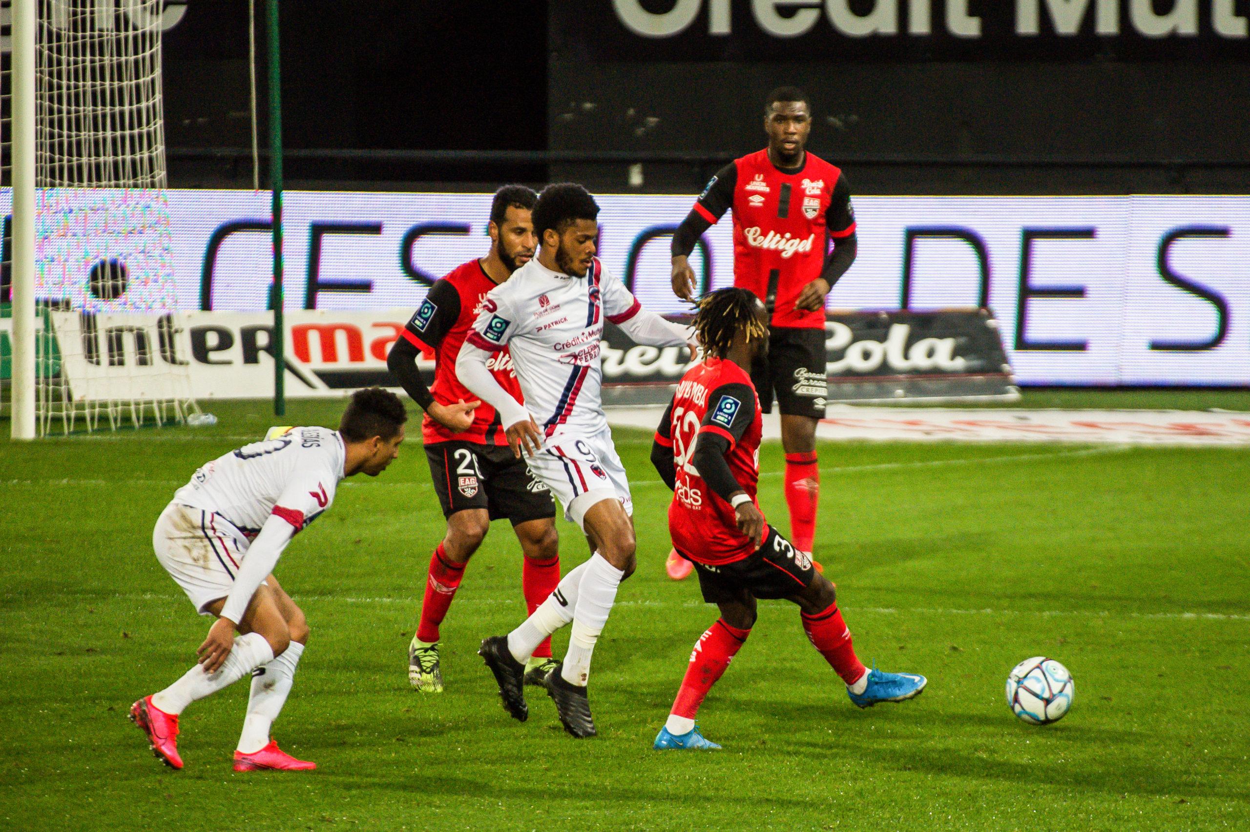 EA Guingamp Clermont Foot 63 0 5 J28 Ligue 2 BKT EAGCF63 _PAS9495