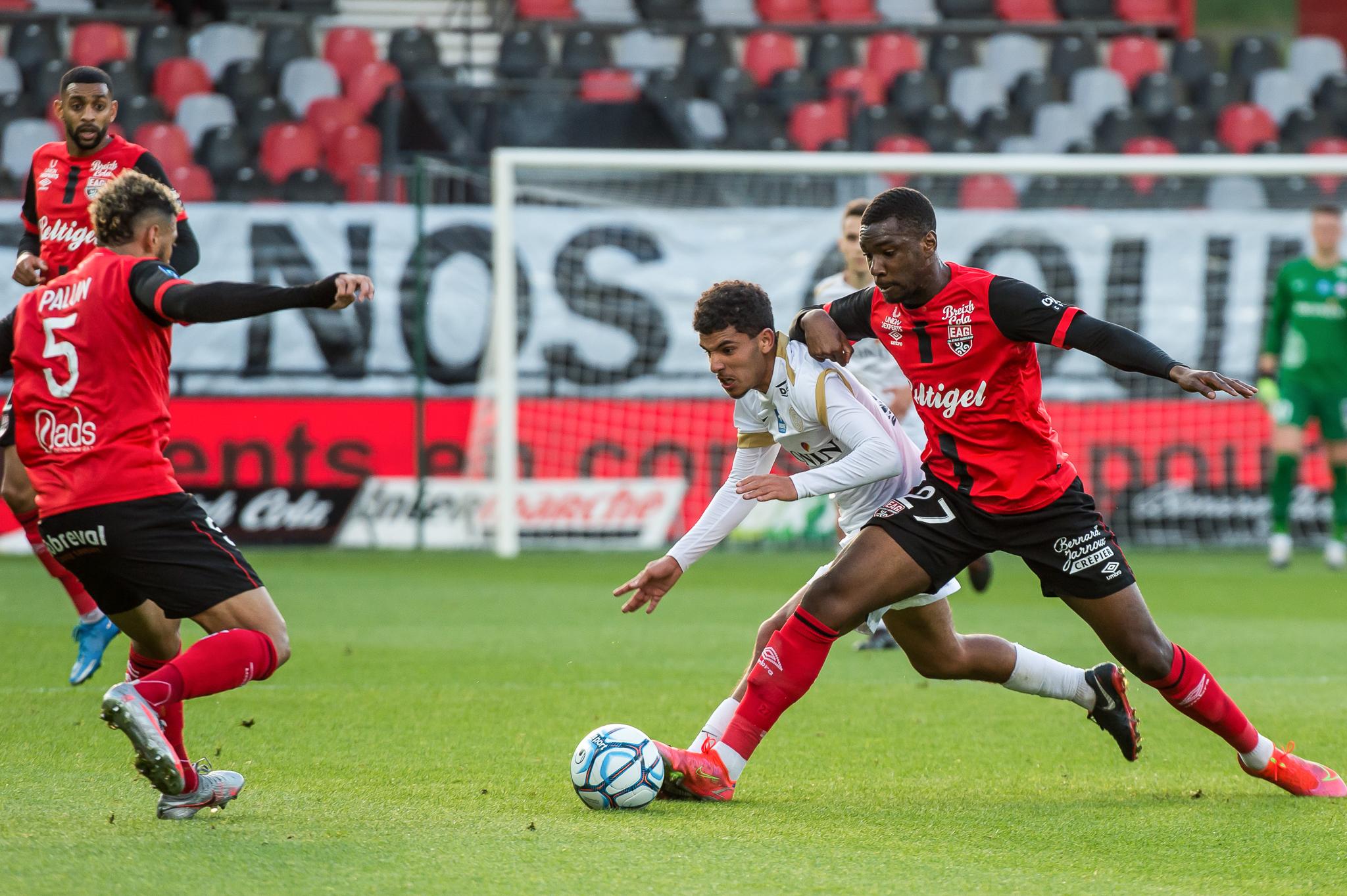 EA Guingamp La Berrichonne Châteauroux J37 Ligue 2 BKT EAGLBC 2-0 Stade de Roudourou FRA_5496