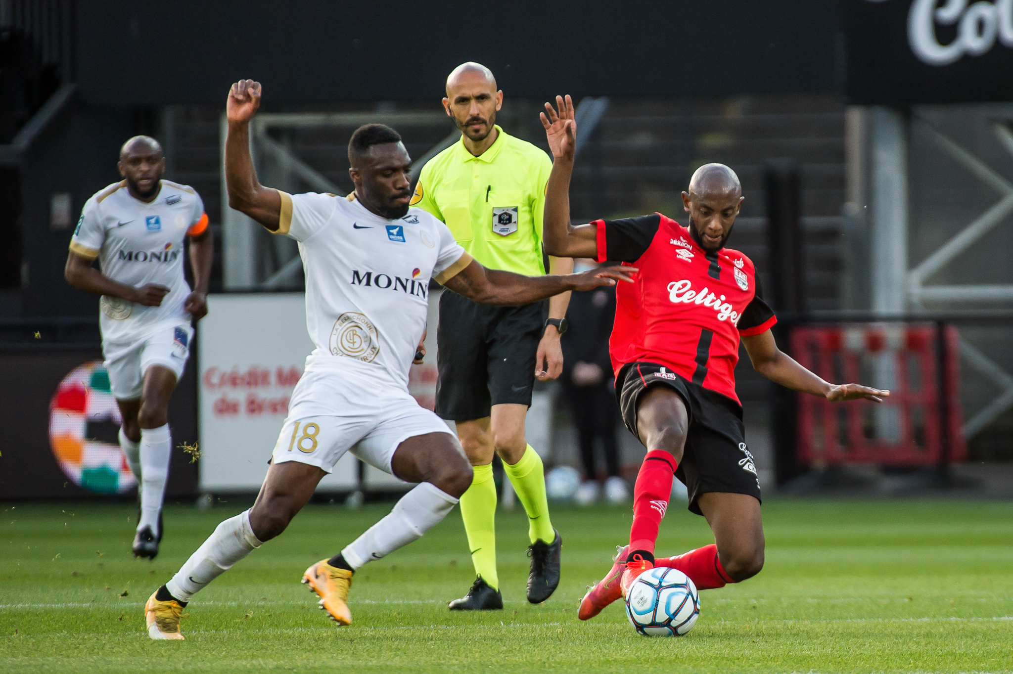 EA Guingamp La Berrichonne Châteauroux J37 Ligue 2 BKT EAGLBC 2-0 Stade de Roudourou FRA_5503