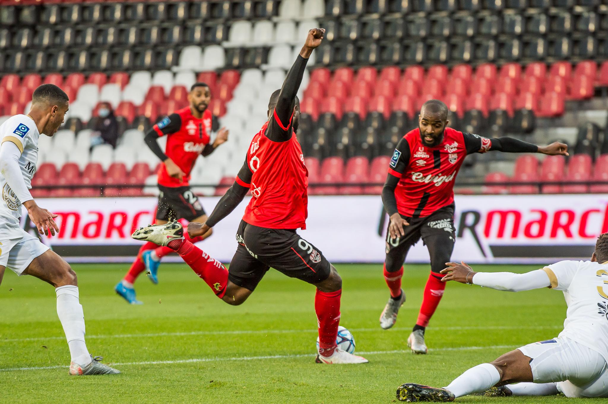 EA Guingamp La Berrichonne Châteauroux J37 Ligue 2 BKT EAGLBC 2-0 Stade de Roudourou FRA_5584